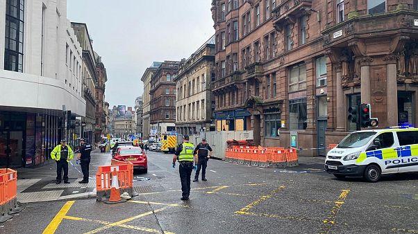 Scozia: sei feriti in un accoltellamento a Glasgow, ucciso l'aggressore