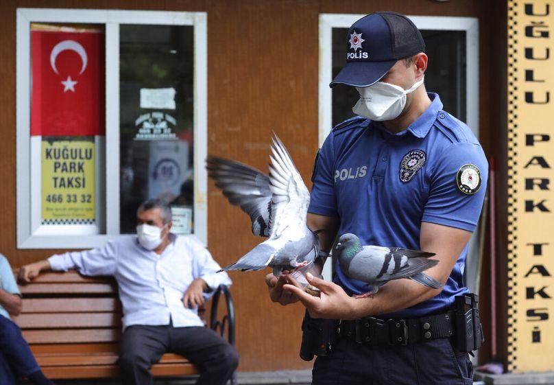 Burhan Ozbilici/AP