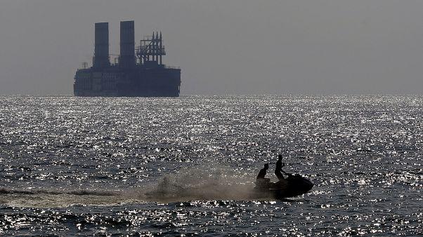 هل تسعى تركيا إلى بيع الطاقة إلى ليبيا من خلال المحطات العائمة؟