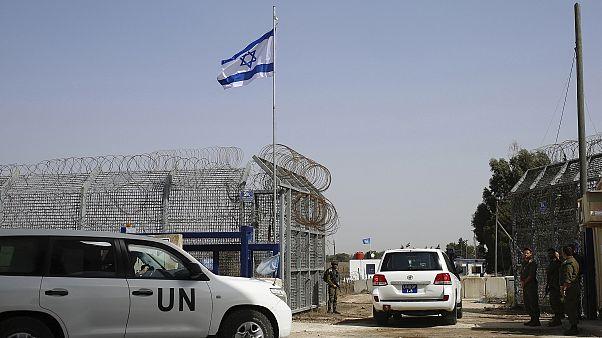 Golan Tepeleri'nden geçen BM misyonuna ait araçlar (arşiv)