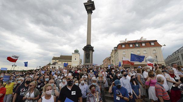 """В Польше """"день тишины"""" перед выборами"""