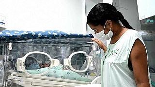 شاهد: كولومبية مصابة بكورونا تنجب طفلها وهي في غيبوبة
