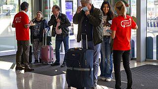 Am Flughafen in Genf in der Schweiz - ARCHIV