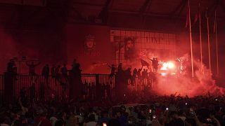 Seguidores del Liverpool durante la celebración del título