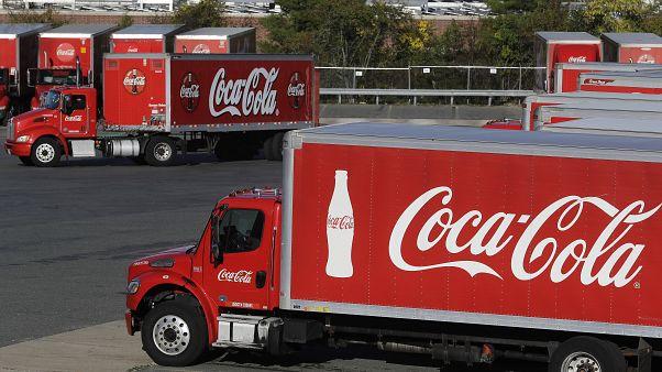 رفضاً للعنصرية والكراهية.. كوكا كولا تعلّق إعلاناتها على وسائل التواصل الاجتماعي