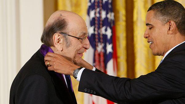 Milton Glaser recebe de Barack Obama a Medalha das Artes de 2009