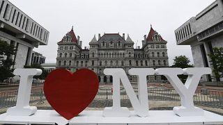 Логотип Нью-Йорка, созданный при участии Милтона Глейзера