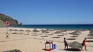 Praias do Algarve sob ameaça de turistas britânicos serem desviados para outros países