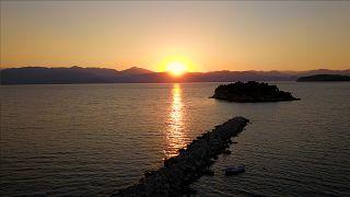 COVID-19: Το μεγάλο στοίχημα του τουρισμού στην Ελλάδα