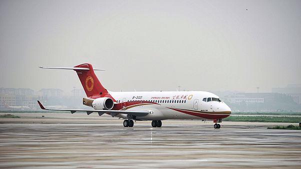 Çin yapımı ARJ21-700 tipi yolcu uçağı