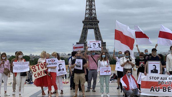 Акция солидарности с белорусской оппозицией в Париже
