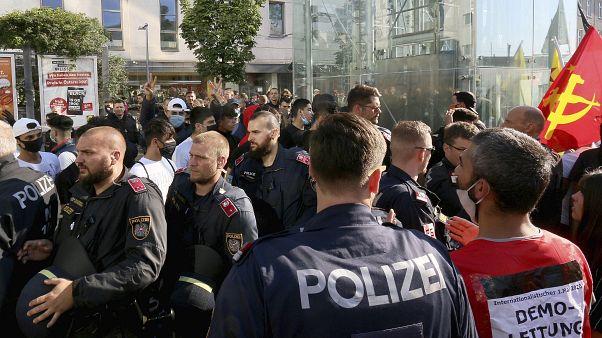 Bekérette a török nagykövetet a bécsi zavargások miatt az osztrák kancellár