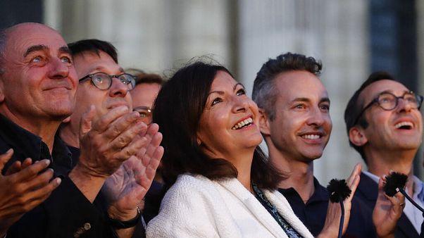 La socialista Anne Hidalgo conserva la alcaldía de París