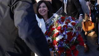 رئيسة بلدية باريس الاشتراكية آن هيدالغو تحتفل بإعادة انتخابها في الانتخابات البلدية