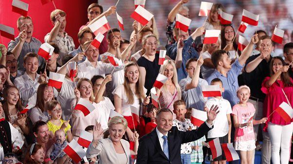 La Polonia al ballottaggio, l'opposizione ha un'alternativa ai conservatori