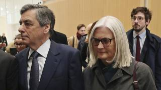 François Fillon condenado a 5 anos de prisão