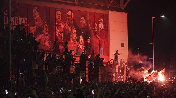 Liverpool-Fans feiern die Meisterschaft