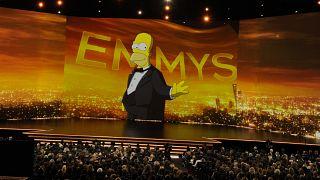 """Белые актеры больше не будут озвучивать персонажей """"Симпсонов"""" других рас"""