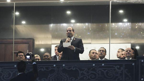 الرئيس المصري عبد الفتاح السيسي يتحدث خلال حفل الافتتاح في استاد القاهرة الدولي.