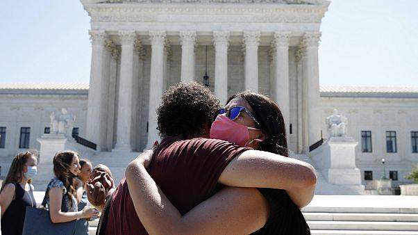 El Supremo de Estados Unidos tumba una ley que restringía el aborto