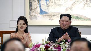 كيم جونغ أون وزوجته ري سول جو (أرشيف)