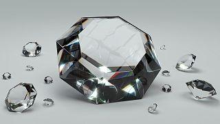 На Уране и Нептуне идут дожди из алмазов