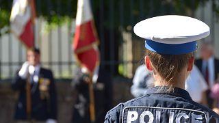 شاهد: ذعر بين مرتادي مركز تجاري في باريس بعد الإبلاغ عن وجود رجل مسلح