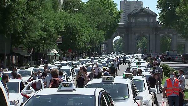 رانندههای خشمگین تاکسی با بوقهای ممتد مادرید را روی سرشان گذاشتند