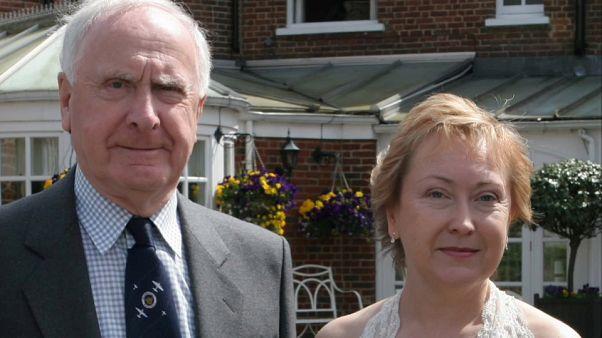 Во имя отца: в Британии дети умерших в домах престарелых подают в суд