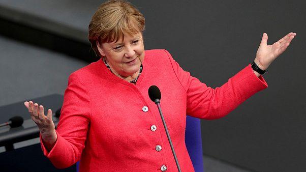 المستشارة الألمانية انغيلا ميركل تحضر جلسة في البرلمان في برلين - 2020/07/01