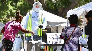 Dépistage de la Covid-19 organisé à Los Angeles, aux Etats-Unis, le 30 juin 2020