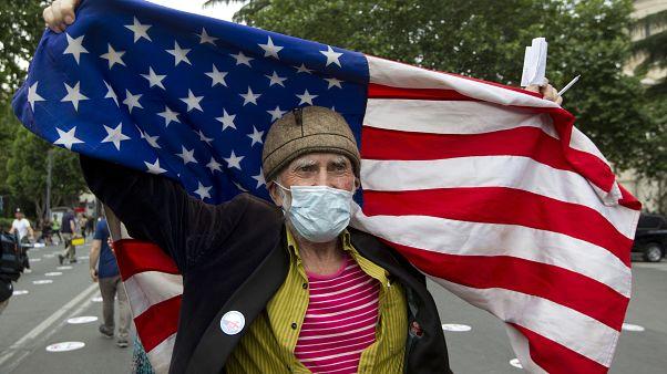 ثبت ۵۰ هزار بیمار جدید کووید-۱۹ در آمریکا؛ ترامپ: با ماسک زدن مشکلی ندارم