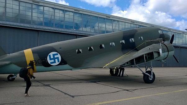 Egy veterán DC-2 szállítógép, a Hanssin-Jukka felújítása után