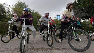 زنان دوچرخهسوار تونسی چالشهای جنسیتی را به چالش کشیدند