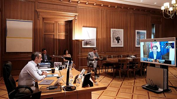 Ο πρωθυπουργός Κυριάκος Μητσοτάκης συμμετέχει στην τηλεδιάσκεψη των ηγετών των χωρών του Smart Covid-19 Management Group, στο Μέγαρο Μαξίμου