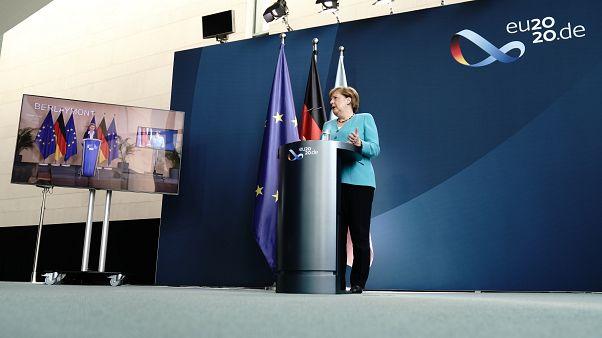 Sorsdöntő hónapok előtt áll az Európai Unió Angela Merkel és Ursula von der Leyen szerint