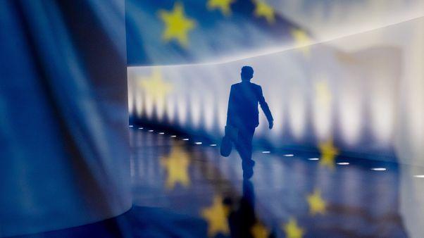 المفوضية الأوروبية: اقتصاد منطقة اليورو سيتراجع بـ8,7% عام 2020 في نسبة أسوأ مما كان متوقعاً