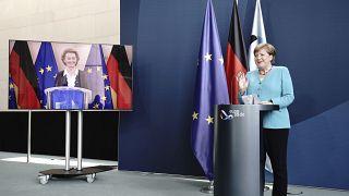 ميركل تطالب دول الاتحاد الأوروبي بالإسراع في إقرار خطة التعافي