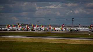 tap planes on taxiway