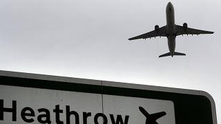 Βρετανία: Υποχρεωτική καραντίνα για τους ταξιδιώτες από την Ελλάδα