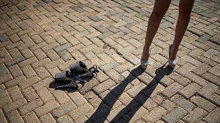 Almanya'da kadınların etek altı fotoğrafını çekmek yasaklandı