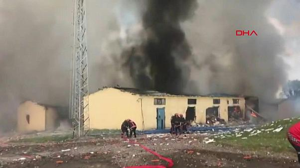 انفجار في مصنع ألعاب نارية جنوب غرب تركيا يخلف عشرات الجرحى