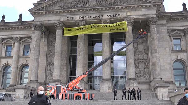 Protests as German MPs back scrapping coal-fired power plants by 2038