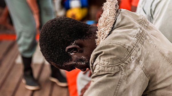 Vészhelyzetet hirdetett az Ocean Viking mentőhajó, miután többen öngyilkosságot kíséreltek meg