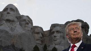 """""""Mindestens zehn Jahre Gefängnis"""": Trump will gegen Verunstaltung von Denkmälern vorgehen"""