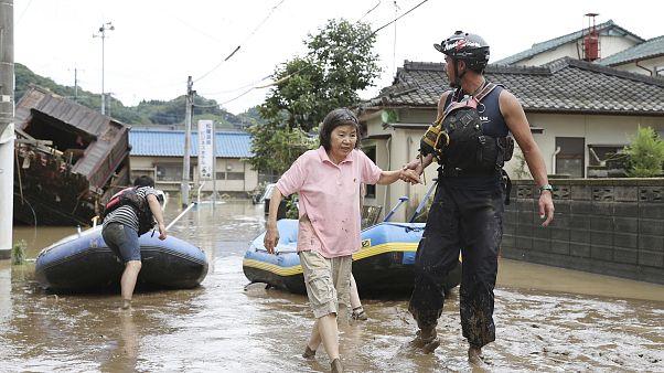 Opérations d'évactuation dans le sud du Japon, le 04/07/2020
