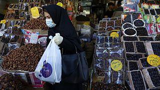 İran'da son 3 gün içinde 500 kişi koronavirüs sebebiyle öldü, devlet ek önlemler aldı