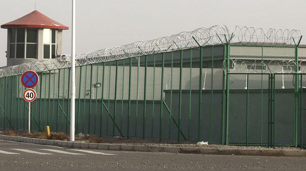 Doğu Türkistan'ın Atuş kentindeki bir toplama kampı