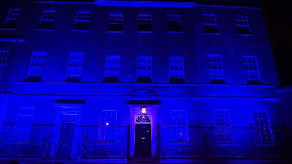 Η Ντάουνινγκ Στριτ στα μπλε
