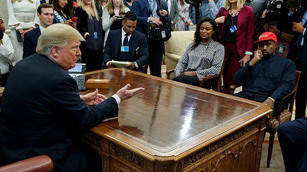 لقاء الرئيس دونالد ترامب بمغني الراب كاني ويست في المكتب البيضاوي بالبيت الأبيض في العام 2018